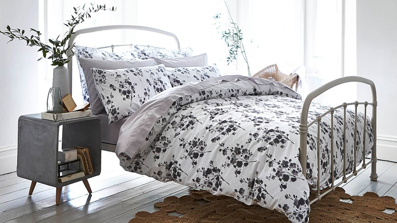 Bianca Cotton Sprig Print Duvet Set - Grey