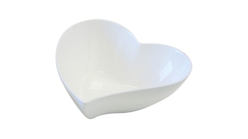Maxwell & Williams White Basics Heart Bowl - 17cm