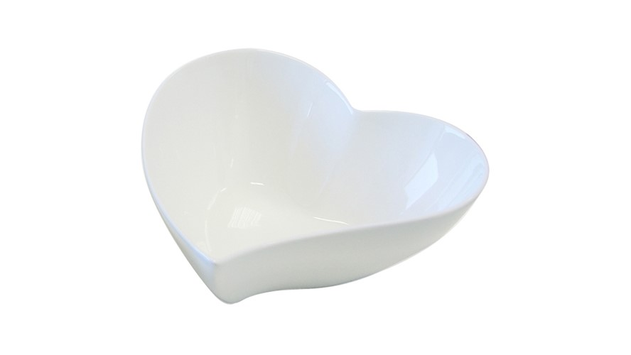Maxwell & Williams White Basics Heart Bowl - 17cm