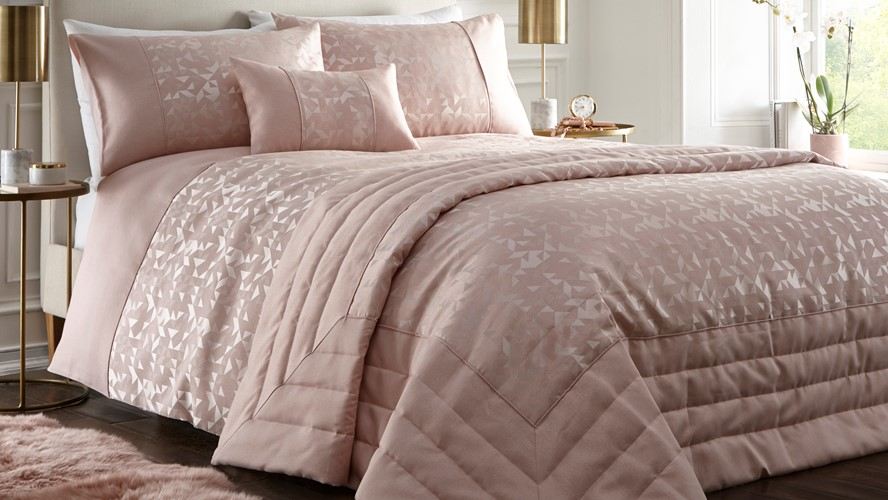 Lucien Quilted Throw - Pink