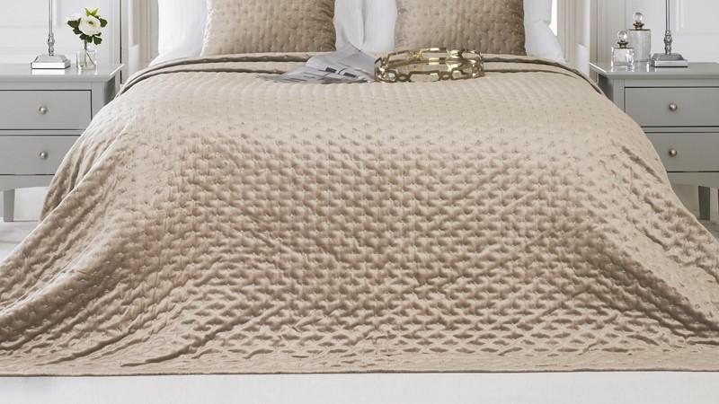 Moonlight Bedspread - Champagne
