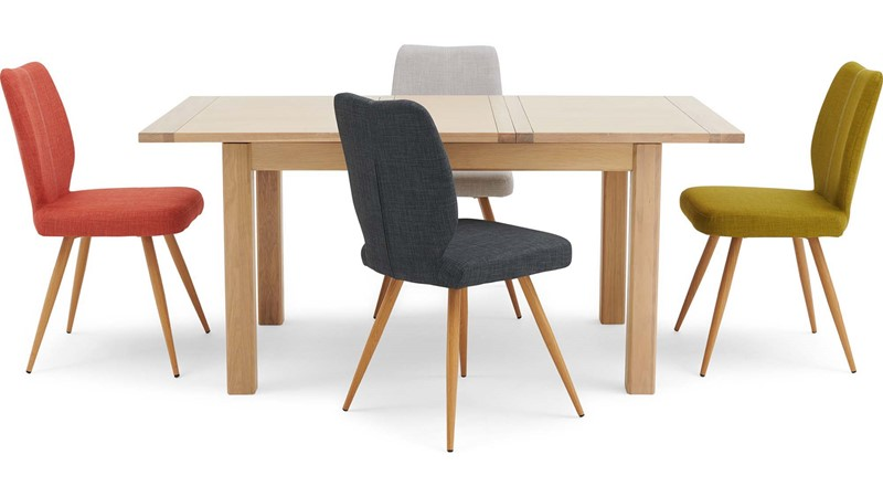 Astrid Extending Table & 4 Hansen Chairs