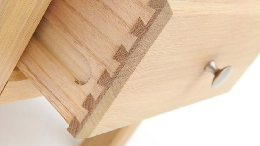 Astrid Lamp Table