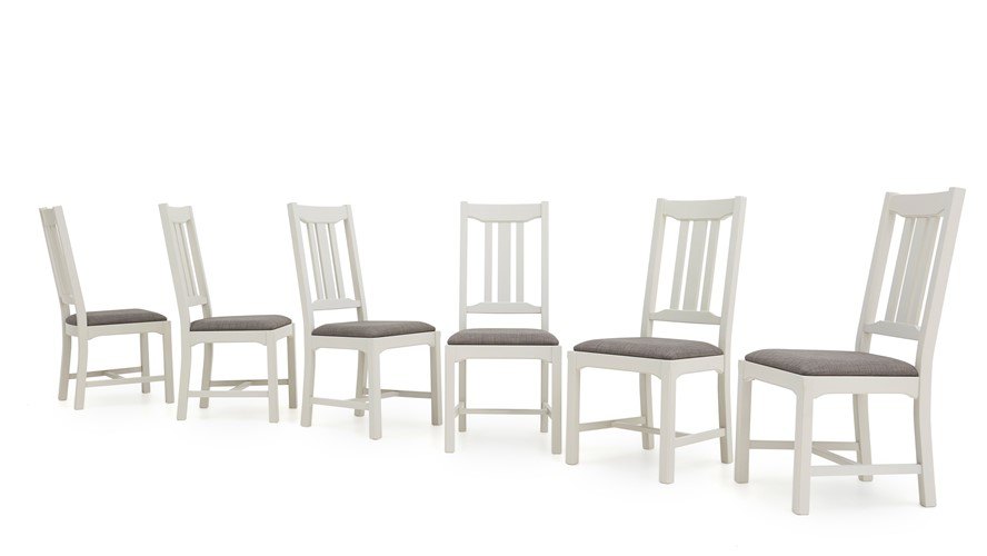 Maine Extending Table & 4 Dining Chairs