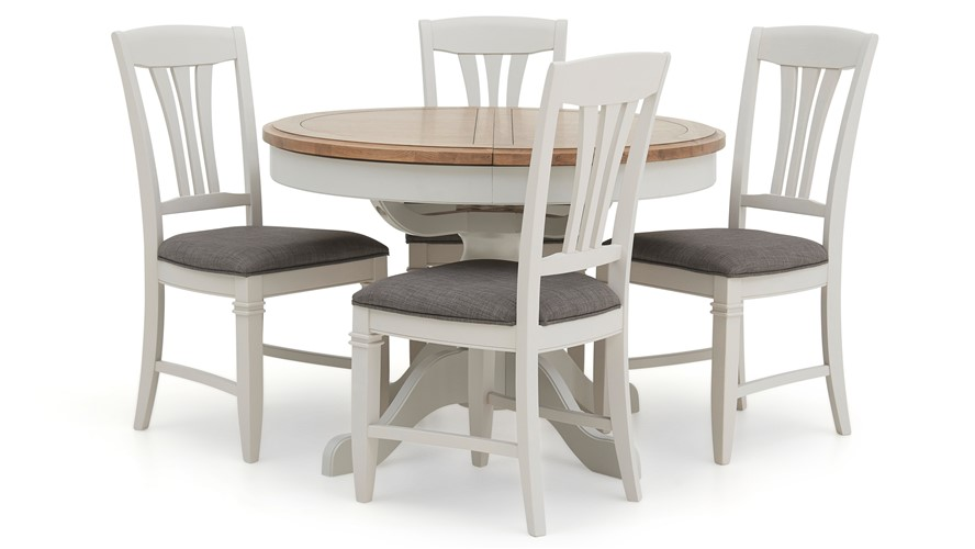 Maine Round Extending Table 4 Dining Chairs Sterling Furniture