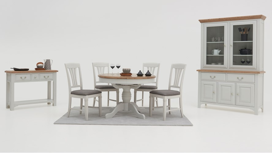 Maine Round Extending Table & 4 Dining Chairs