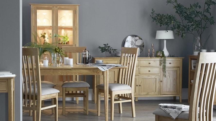 Newbury 160cm Extending Table & 4 Cranbrook Dining Chairs
