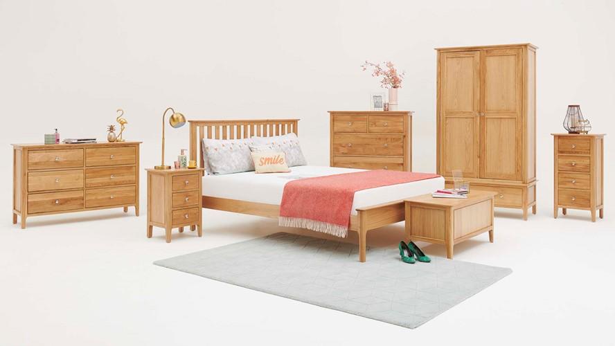 Newbury Bedside Chest