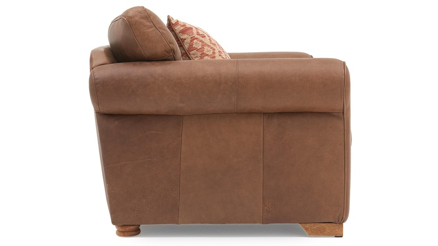 Alexander & James Pemberley Snuggler Chair