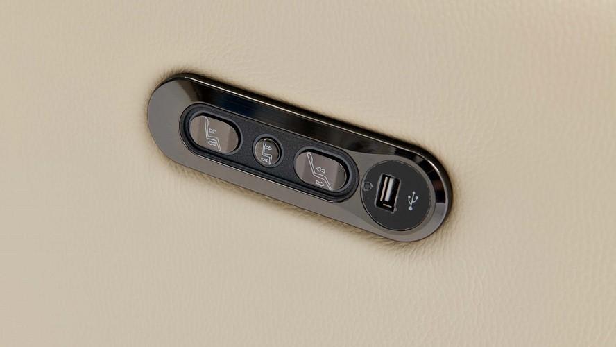 Tetra Corner Sofa with USB