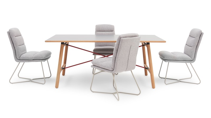 Tova Dining Table & 4 Svein Chairs