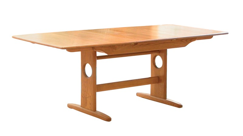 Ercol Windsor Medium Extending Pedestal Table